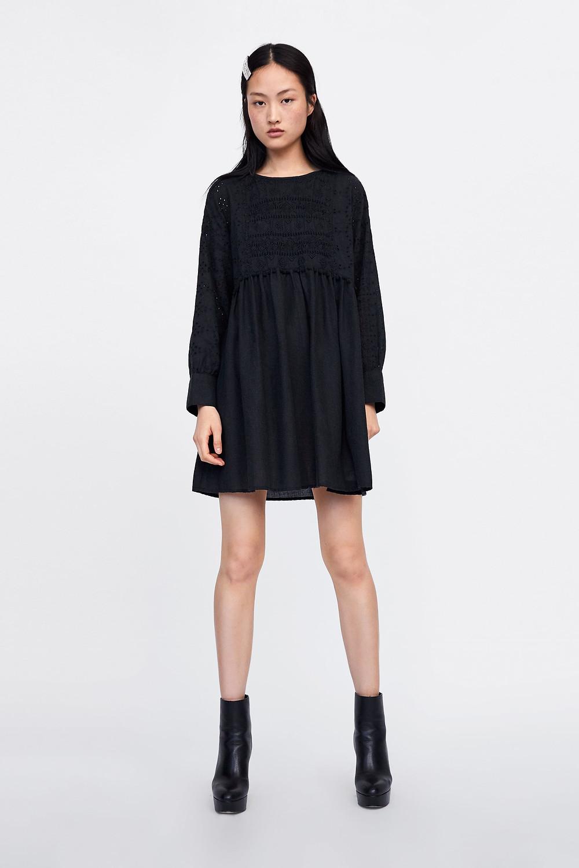 Robe brodée noire