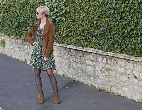 Look #31 - Du soleil en Normandie : le retour du combo parfait, petite robe à fleur et perfecto