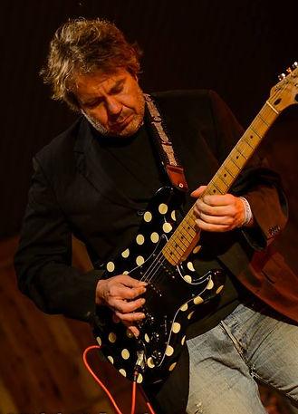 Jon Crowe Guitar Tuition