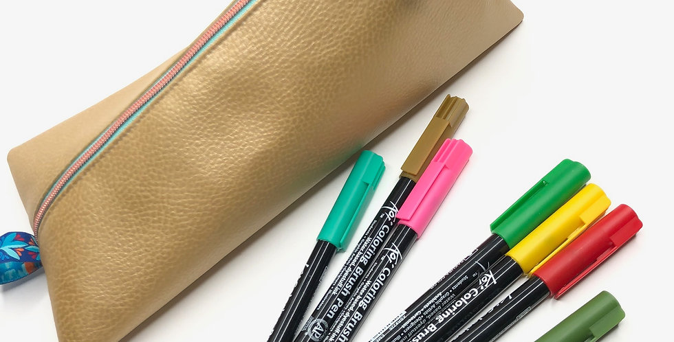 Stiftemäppchen in gold