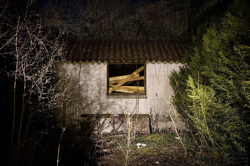 02-Closed-J_Pruniaux-1920.jpg