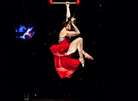 Review | Almanac Dance Circus Theatre presents Nicole Burgio's 'xoxo moongirl'