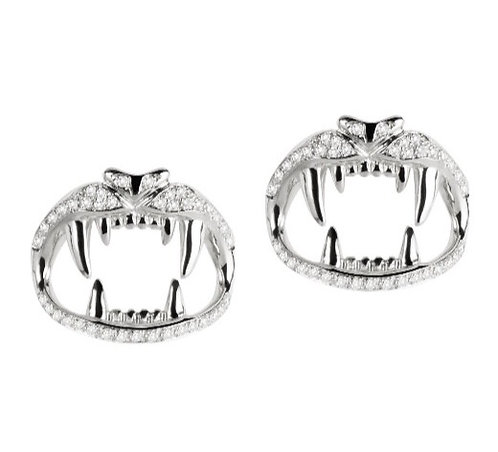 Lion's kiss studs in 18ct white gold and white diamonds