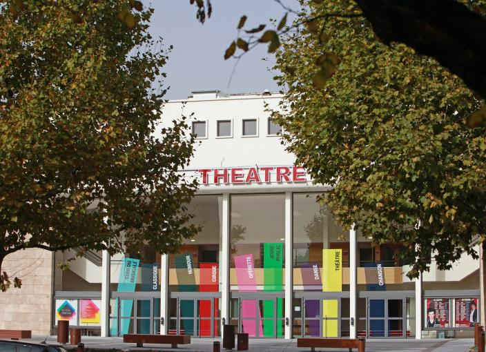 20121019_parvis theatre point fixe automne_001