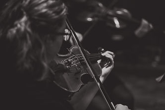 South Downs Strings violinist playing for wedding ceremony