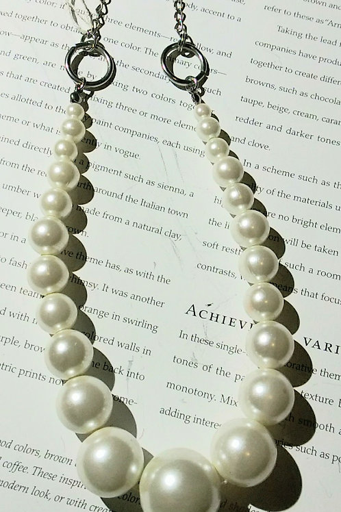 Necklace, classic