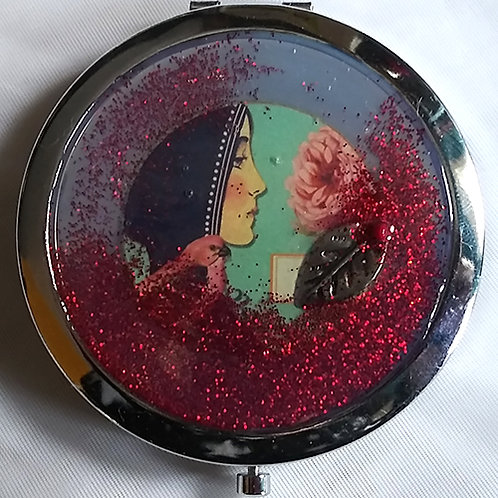 Compact mirror, my lady