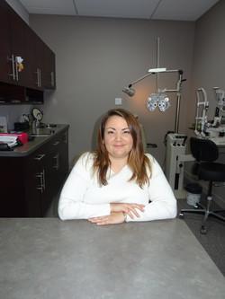 Dr. Nadia Girard