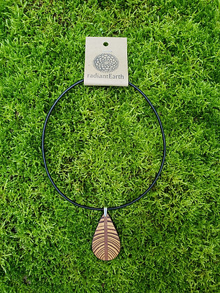Heart Pine Ovate Necklace