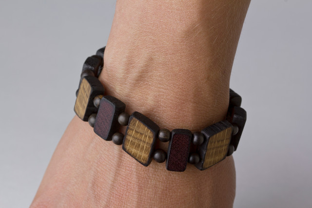 oak purpleheart bracelet on wrist.jpg