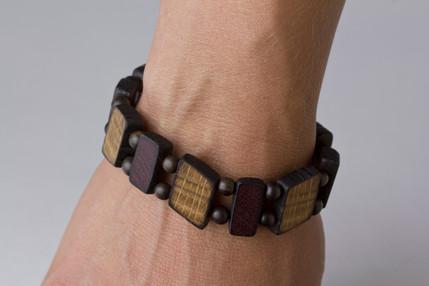 oak purpleheart bracelet on wrist.jpg