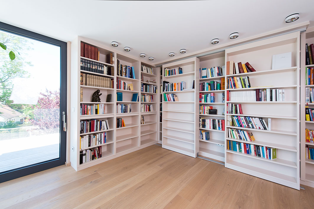 Bibliothek Bücher Regal deckenhoch