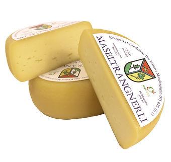 Bio-Käserei-Zürich-mit-Hofladen-Bio-Suisse-Knospe-Maseltrangnerli-Käse-Joel-Schirmer.jpg