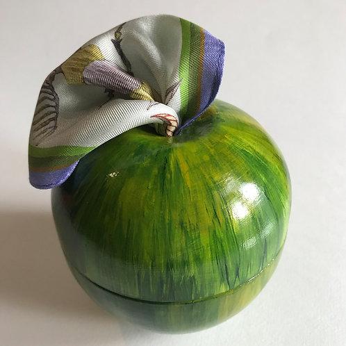Яблоко зеленое+Жуки в холодных тонах 45х45