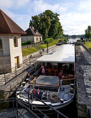 Grand Cru Barge - Elegnant Waterways