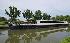 Grand Cru Barge