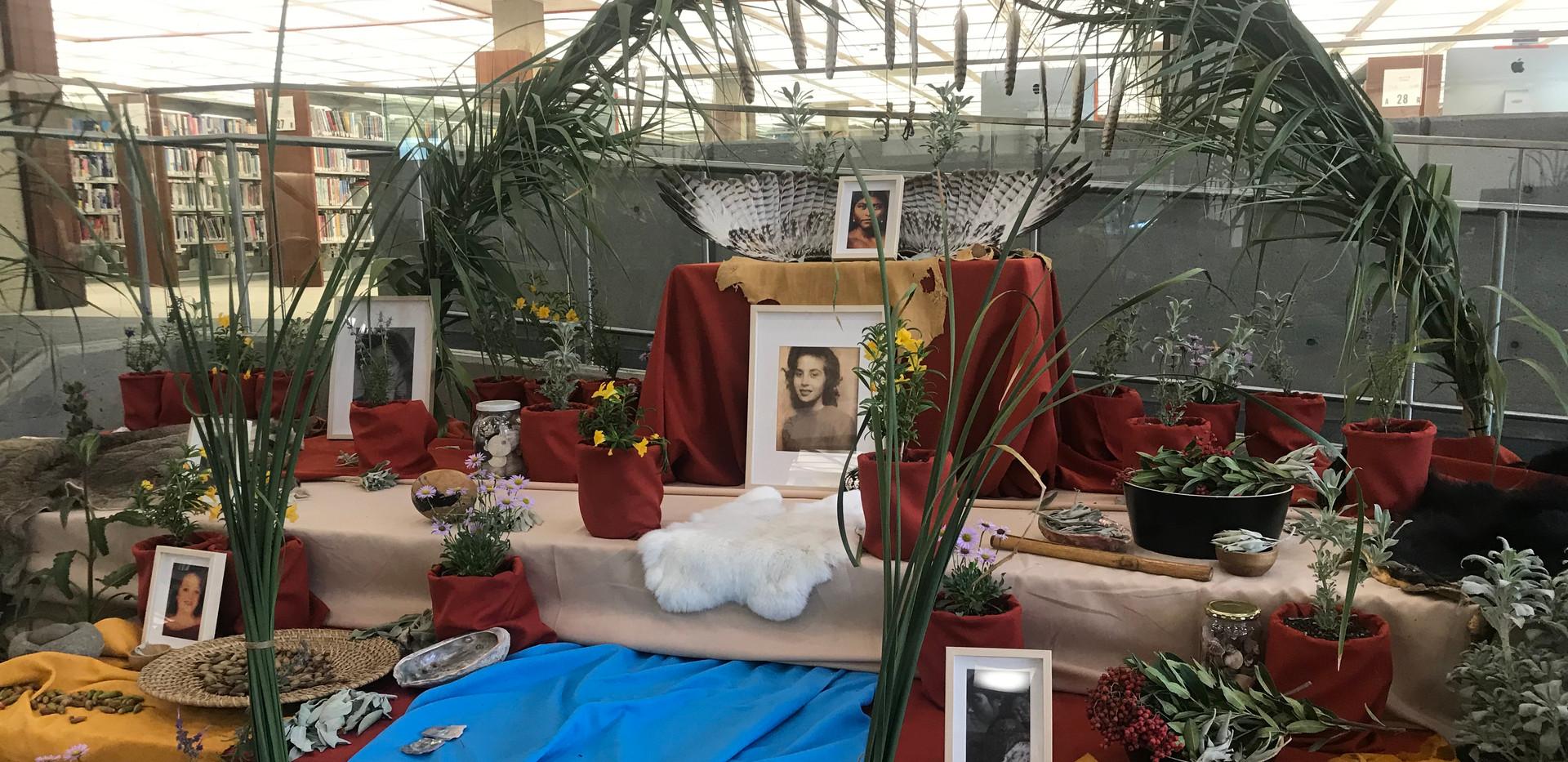 Yaanga Vive! Altar