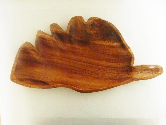 Leaf-shaped serving dish