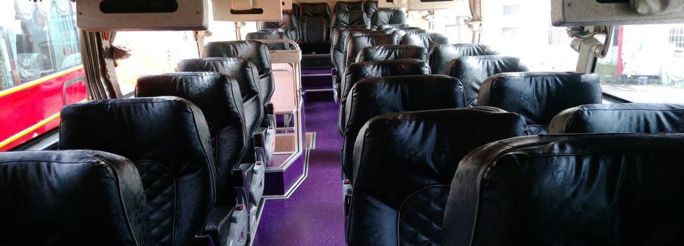 34人座三排統總座椅豪華巴士