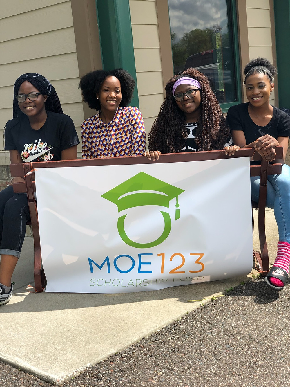 2019 Moe123 Scholars pose for a photo at the 2nd Annual Moe123 Community Picnic