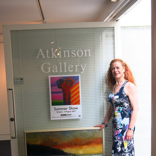 PHILIPPA AT A GALLERY EXHIBITION