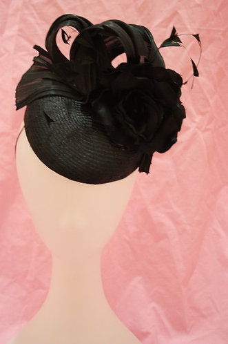 Black straw hat with rose and feathers