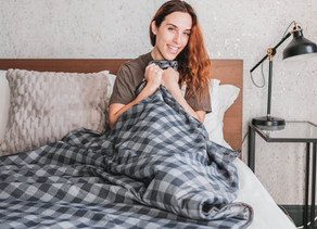 The Coziest Holiday Gift Of The Year: An Endy Weighted BlankeT REVIEW