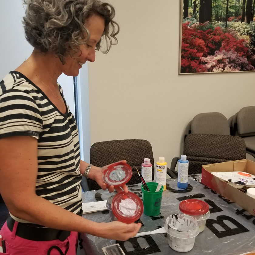 Deirdre showing some of the paints used for Oculus