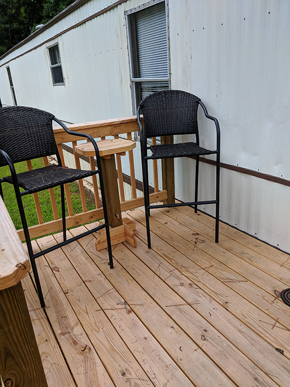 Seating on front porch.jpg
