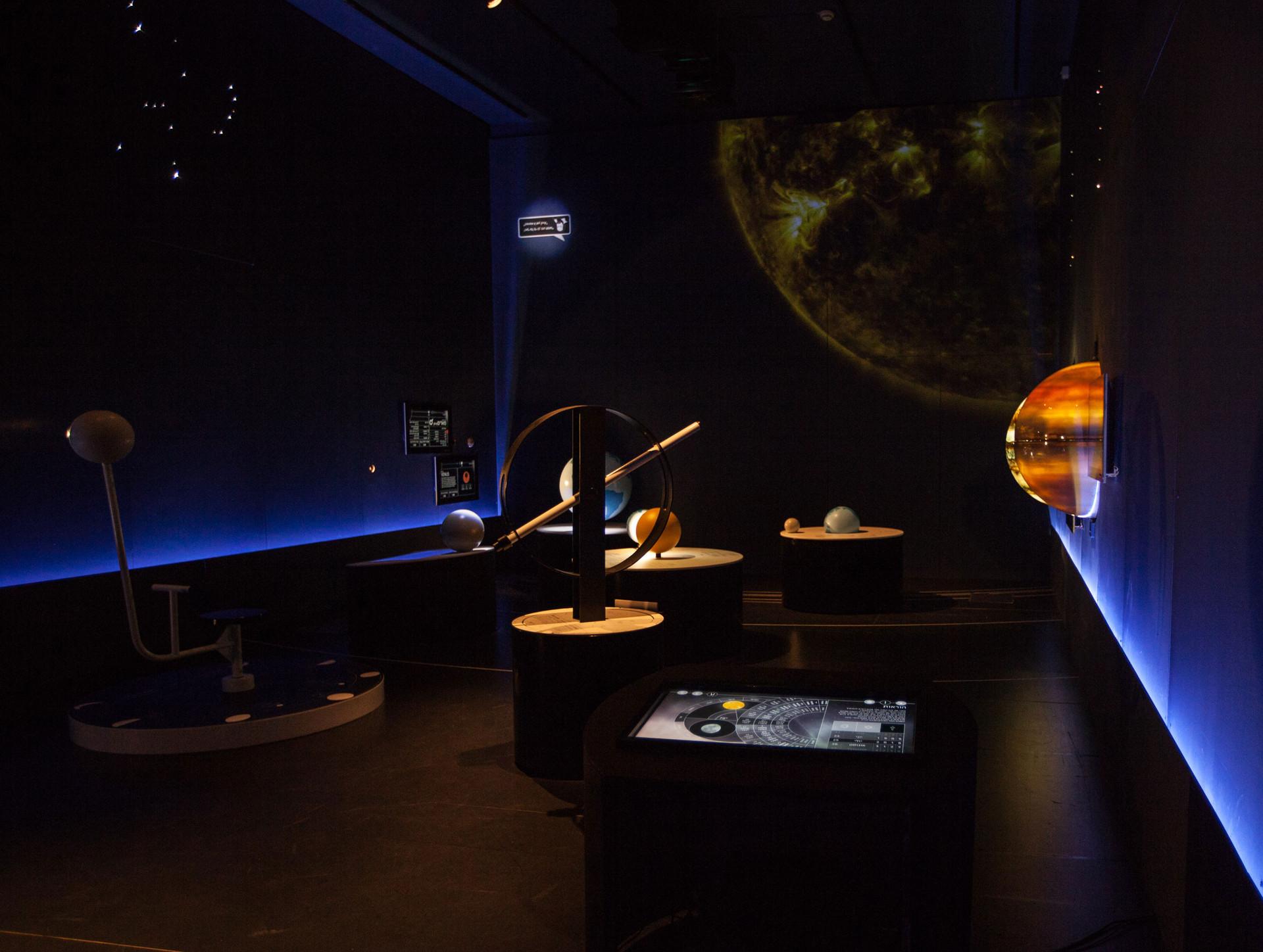 Astronomy-W-02.jpg