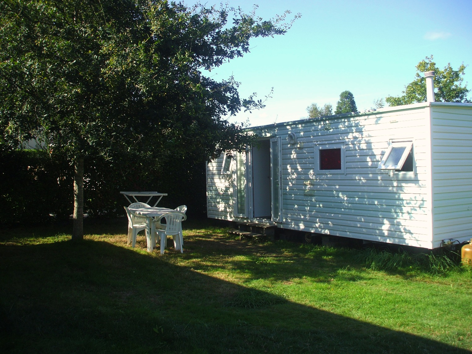 Mobil-Home-camping-lac-pas-cher