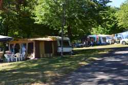 Emplacement camping Lac de Feyt