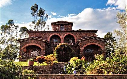 9 fachada Casa Campestre en Venta Villa Etruria Mesa de los Santos Santander Colombia.jpeg