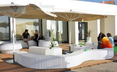 slide-design-of-love-collection-contract-bar-restaurant-buzios-bar-praia-santa-cruz-portogallo-snake-ypsilon-snake.jpg