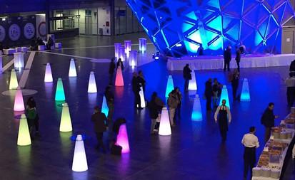 Mange-debout lumineux en location pour événement, Gamme Slide