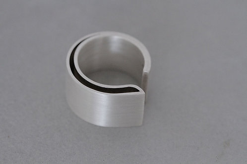 Bent ring