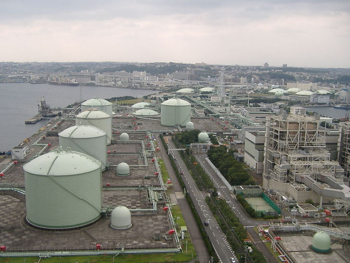 1200px-Tokyo-gas_Negishi_LNG_Tarminal.jp