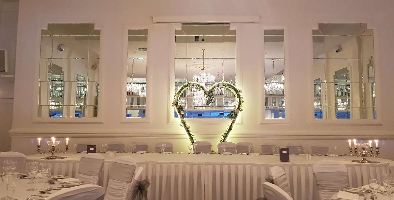 Our Neon Ivy Heart is perfect at top table