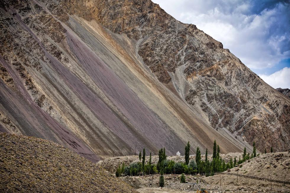 Along the Leh Batalik Road