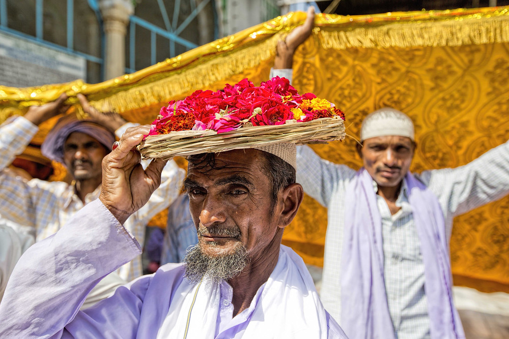 offerings at ajmer sharif Dargah photos