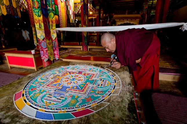 Sand-Mandala-Buddhism