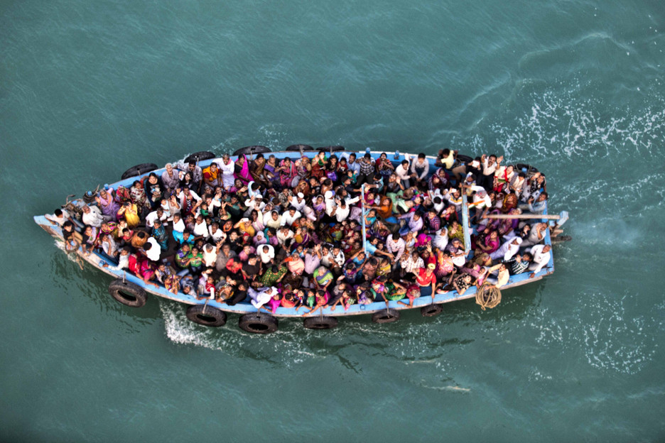 Boat full of pilgrims, Bet Dwarka , Gulf of Kutch