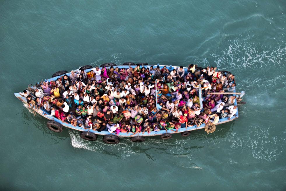 Boat full of pilgrims, Bet Dwarka , Gulf of Kutch
