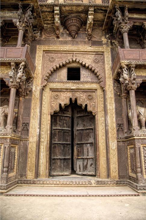 The riverside door of the Jehnagir fort