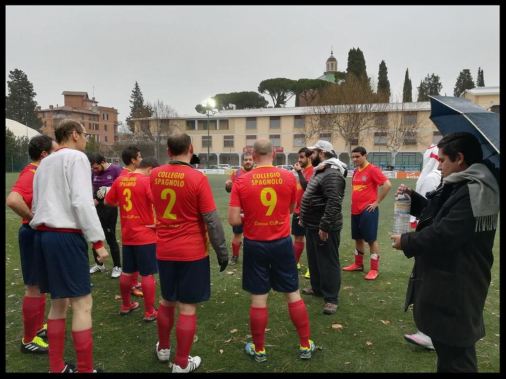 Charla inicial del entrenador Gustavo Gatto