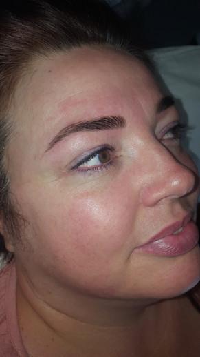 Full Healed Top & Bottom Eyeliner
