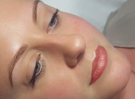 How do I choose a Permanent Make-up Artist?