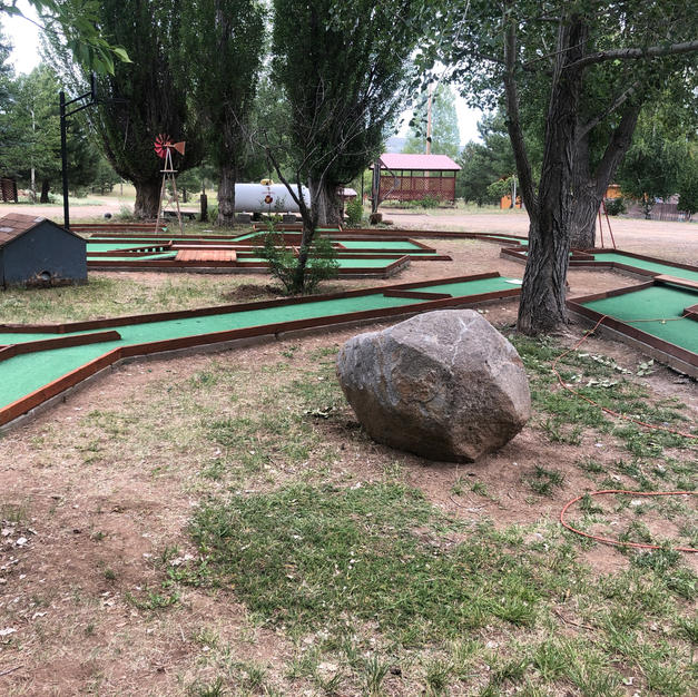 TZhe Challenging Mini golf CourseD-495A-9886-43B