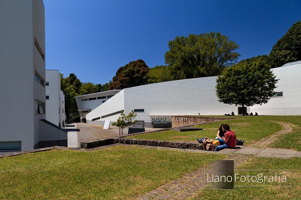Plaza de la facultad de arquitectura de oporto