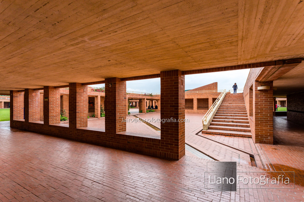 12Gimnasio Fontana - LlanoFotografia 4750